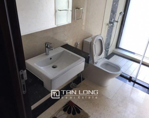 Fascinating apartment for rent in Vincom tower, Ba Trieu 7