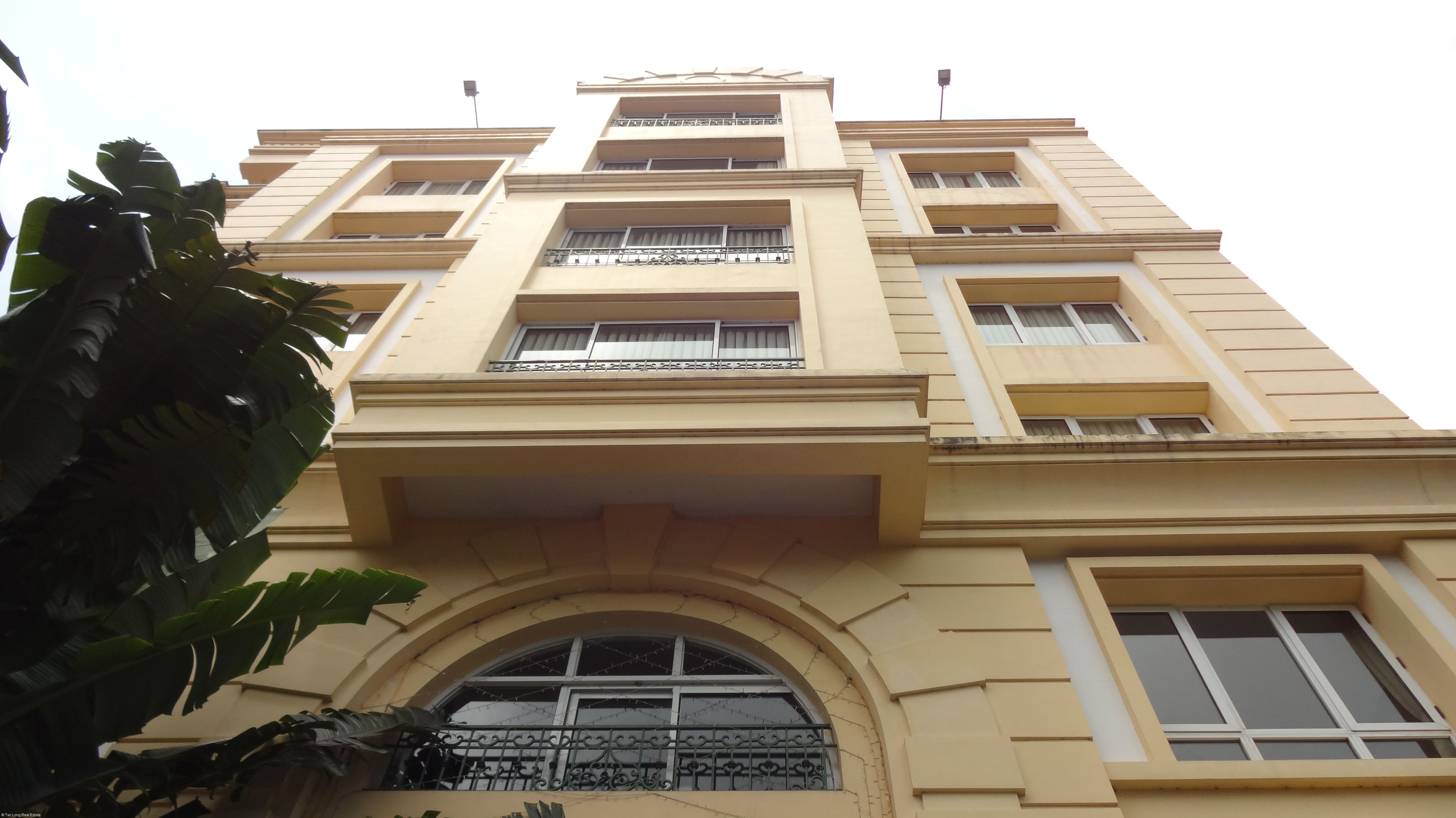 For rent Serviced apartment in  Tay Ho streets. 1