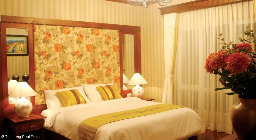 For rent Serviced apartment in  Tay Ho streets. 4