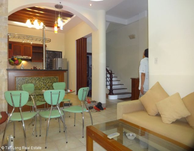 Full furnished house for rent in Au Co street, Tay Ho district, $800 6