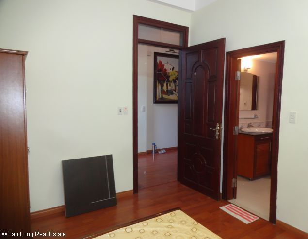 Full furnished house for rent in Au Co street, Tay Ho district, $800 1