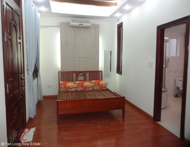 Full furnished house for rent in Au Co street, Tay Ho district, $800 3