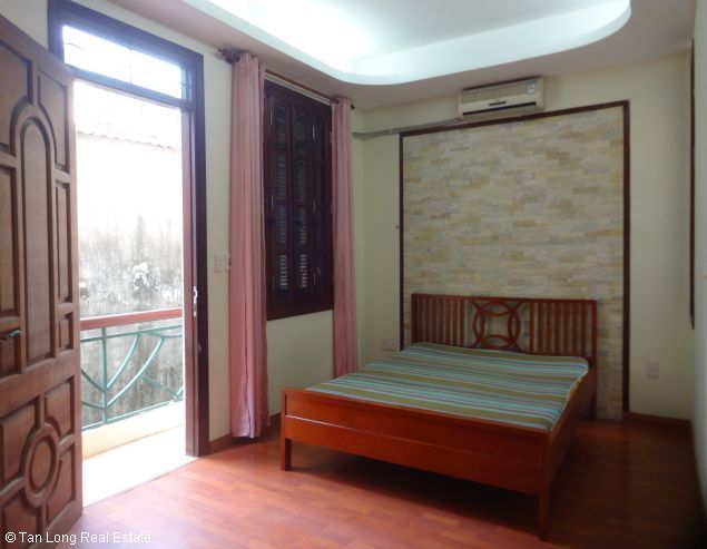Full furnished house for rent in Au Co street, Tay Ho district, $800 7