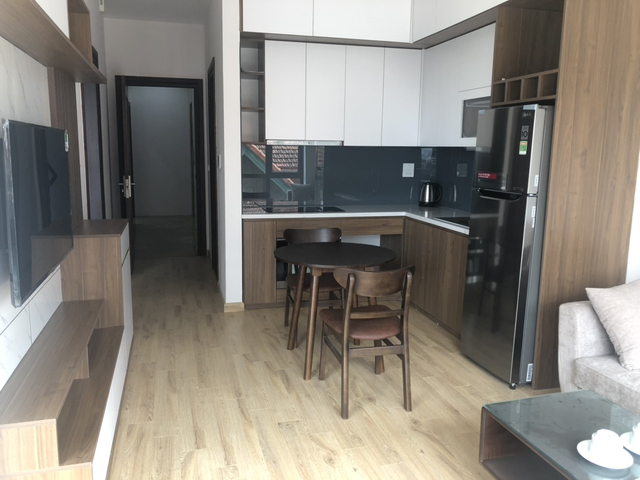 Full furnishing apartment for lease in Tay Ho street, Tay Ho district!