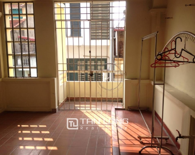 Full furnishing house for rent in Quan Ngua street, Ba Dinh district! 4