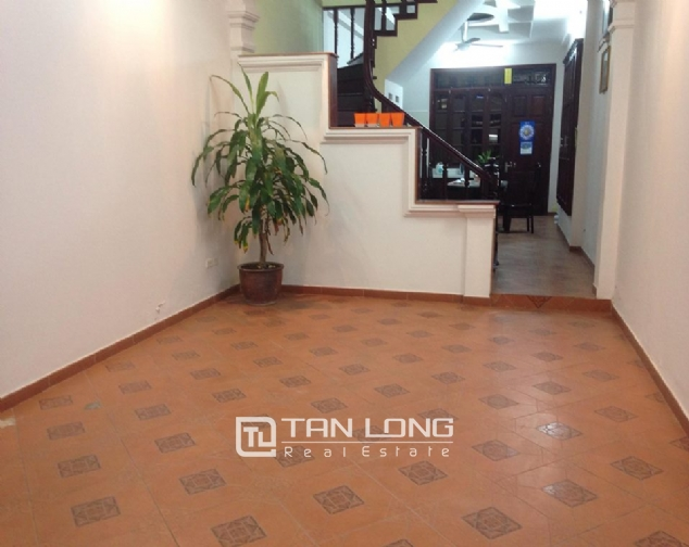 Full furnishing house for rent in Quan Ngua street, Ba Dinh district! 2