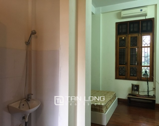 Full furnishing house in Au Co street, Tay Ho dist, Hanoi for lease 9
