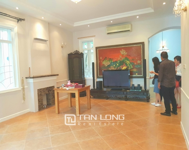 Full furnishing villa for rent in G6 Ciputra Tay Ho district for lease 2