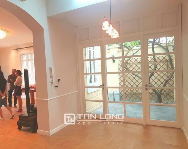 Full furnishing villa for rent in G6 Ciputra Tay Ho district for lease 3