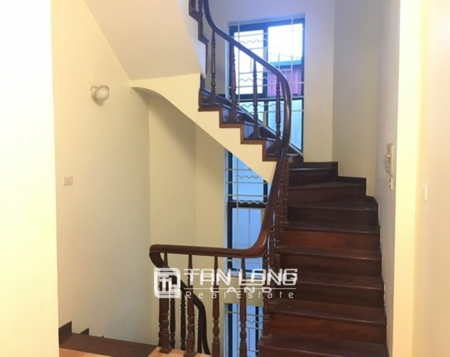 Full opulent furnishing house in Xuan Dieu street, Tay Ho dist for lease 3