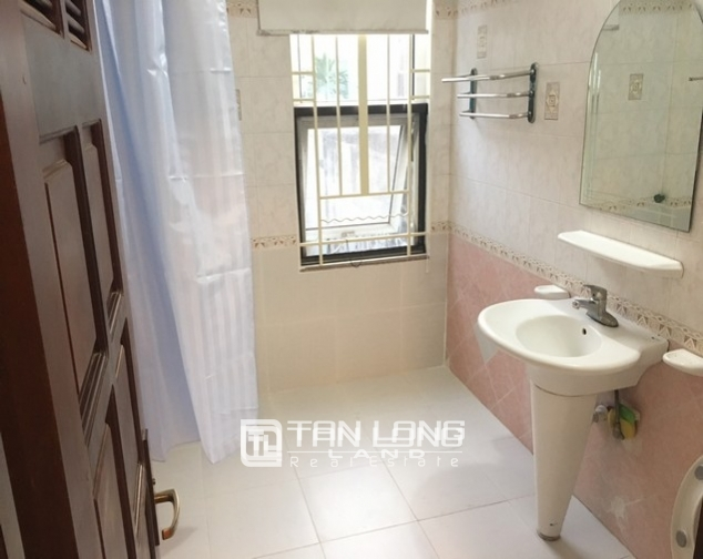 Full opulent furnishing house in Xuan Dieu street, Tay Ho dist for lease 6