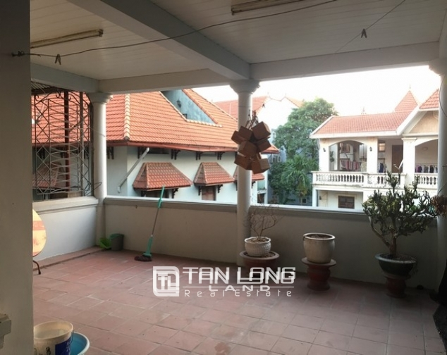 Full opulent furnishing house in Xuan Dieu street, Tay Ho dist for lease 4