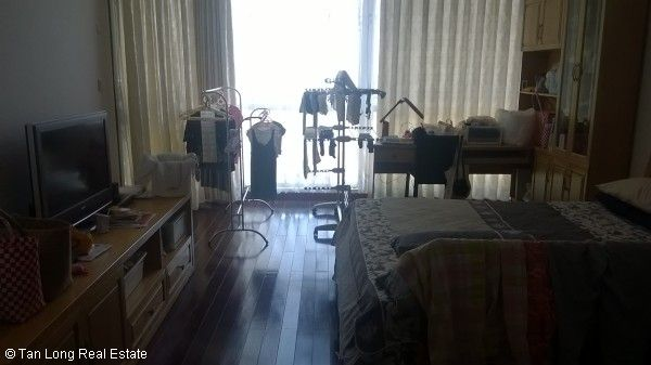 Fully equipped 2 bedroom apartment for sale in Vincom Center, Mai Hac De str 6