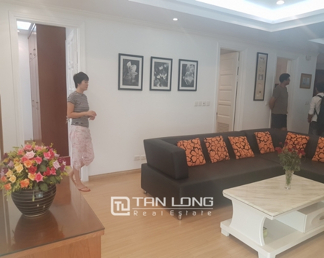 Fully furnished 3 bedroom apartment for rent in E4, ciputra 2