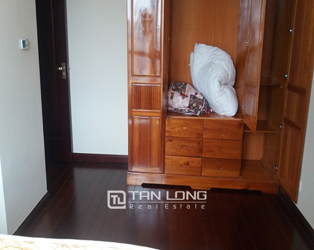 Fully furnished 3 bedroom apartment for rent in R4 Vinhomes Royal City 6