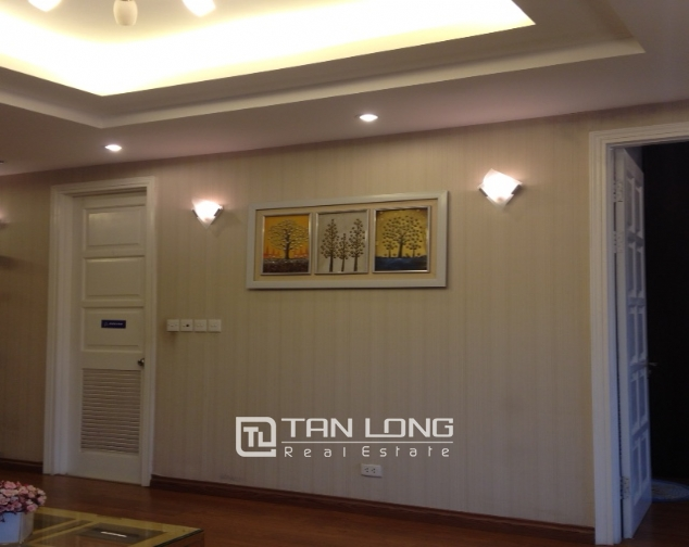 Fully furnished 3 bedroom apartment in E5 Ciputra to sell 10