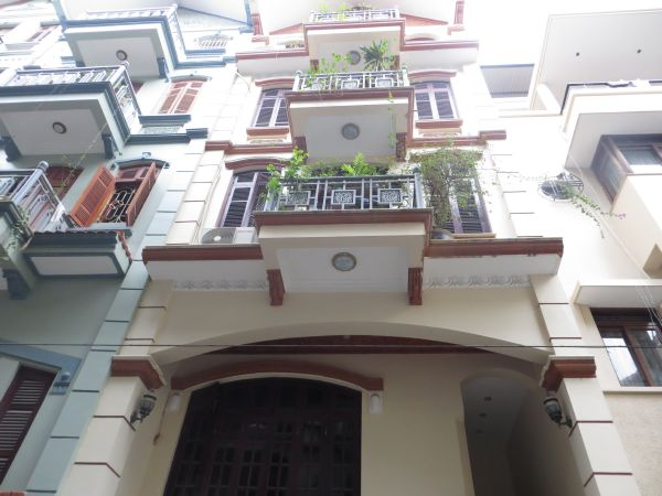 Fully furnished 4 bedroom house for rent at Nguyen Phong Sac street, Cau Giay
