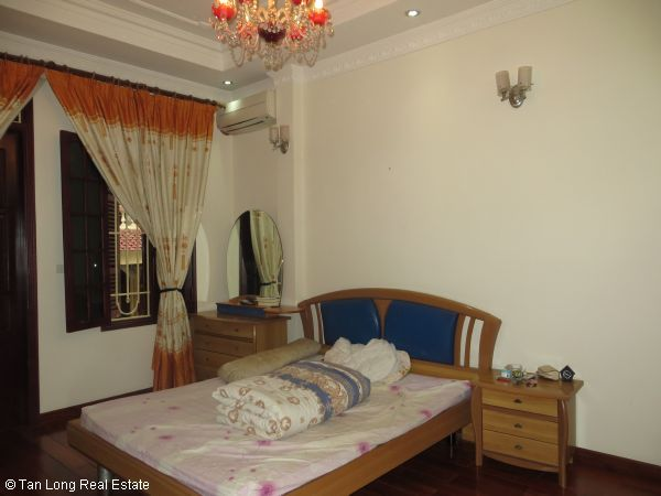 Fully furnished 4 bedroom house for rent in Nguyen Phong Sac street, Cau Giay 2