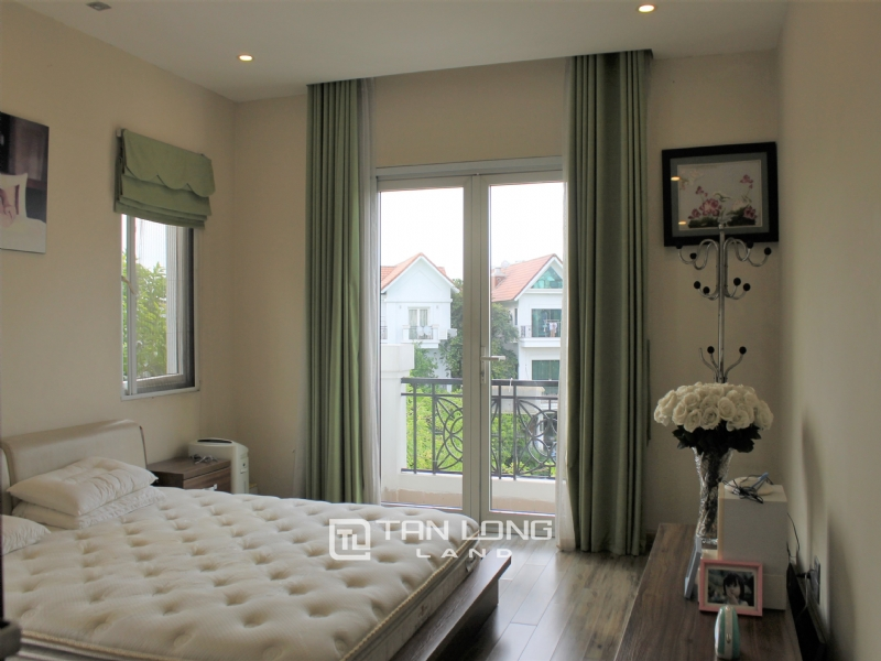 Fully Furnished 4 Bedrooms Semi- Detached Villa At Vinhomes Riverside To Lease, Next To BIS 2
