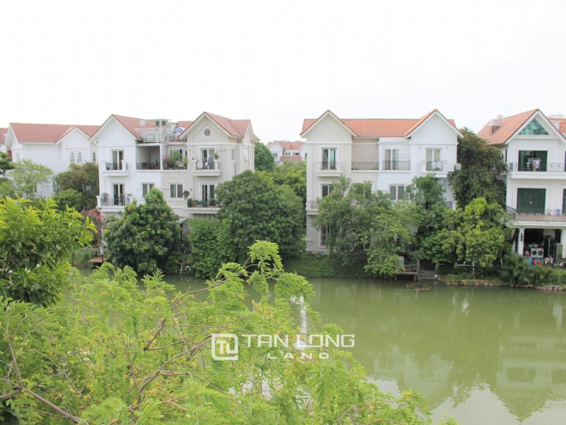 Fully Furnished 4 Bedrooms Semi- Detached Villa At Vinhomes Riverside To Lease, Next To BIS 4