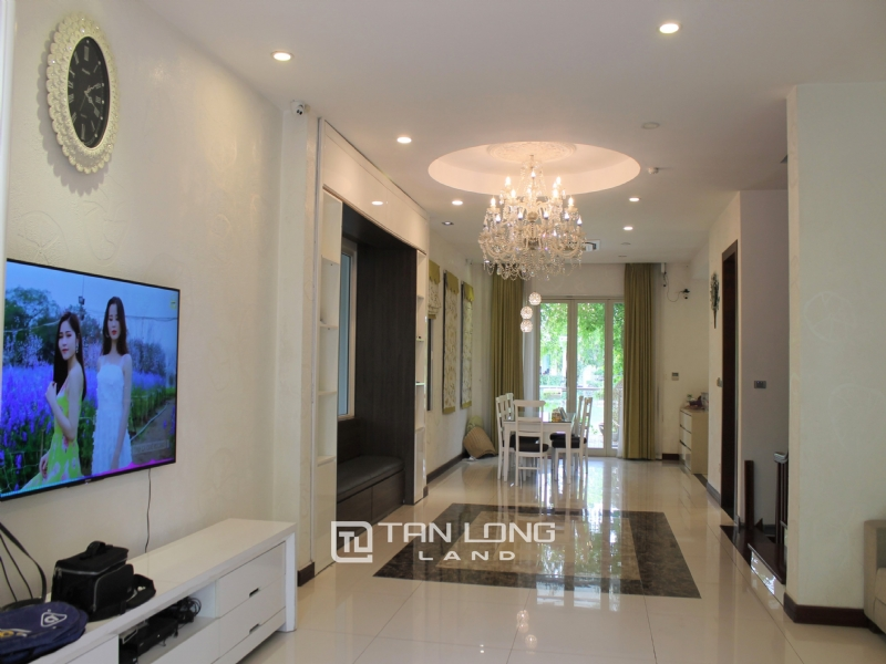 Fully Furnished 4 Bedrooms Semi- Detached Villa At Vinhomes Riverside To Lease, Next To BIS 20