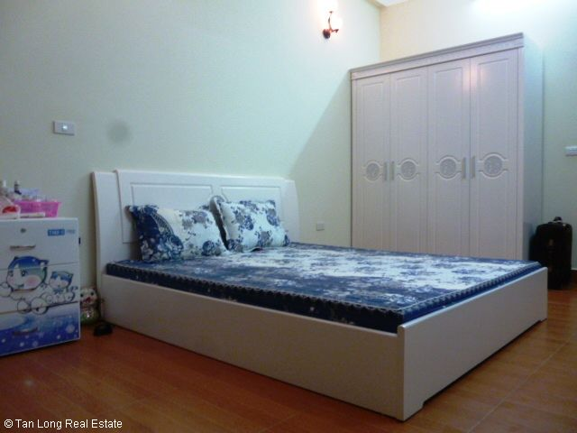 Fully furnished 5 bedroom house for rent on Trung Kinh street, Cau Giay district 9
