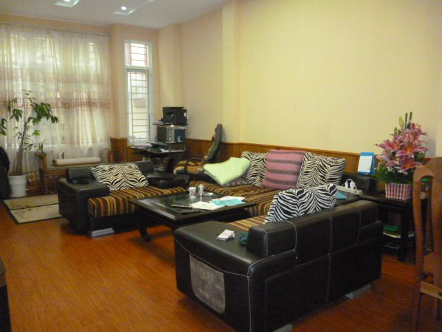 Fully furnished 5 bedroom house to rent on Do Quang street, Trung Hoa Nhan Chinh, Cau Giay district