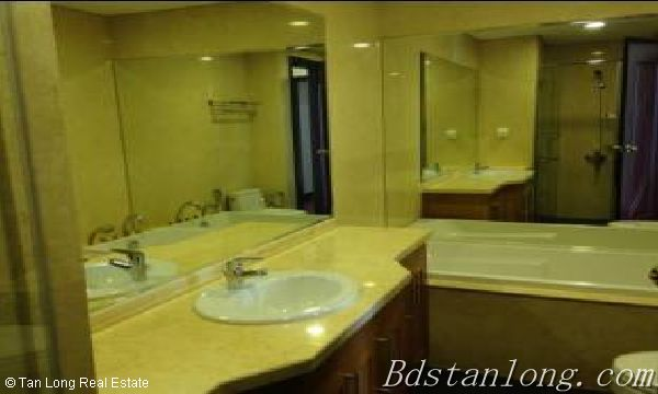 Fully furnished apartment for lease in Royal City, Thanh Xuan district 4