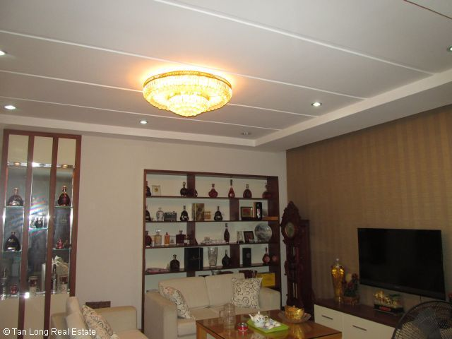 Fully furnished apartment for rent in Vuon Dao, Tay Ho district, Ha Noi. 2
