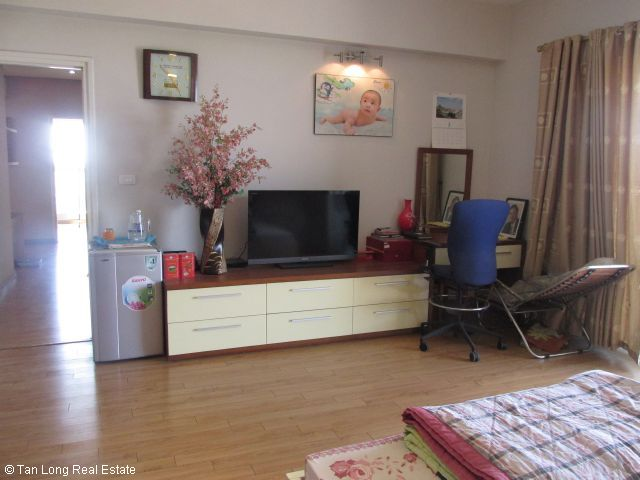 Fully furnished apartment for rent in Vuon Dao, Tay Ho district, Ha Noi. 8