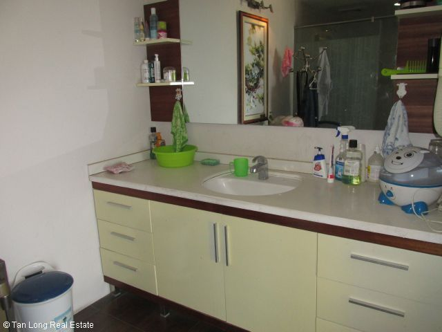 Fully furnished apartment for rent in Vuon Dao, Tay Ho district, Ha Noi. 3