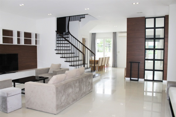 Fully furnished Duplex Villa For Rent In Vinhomes Riverside Long Bien Hanoi