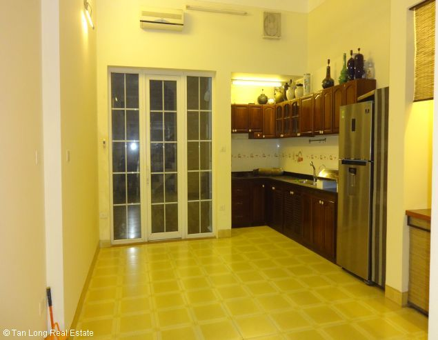 Fully furnished house for rent in Au Co street, Tay Ho District, Hanoi. 3