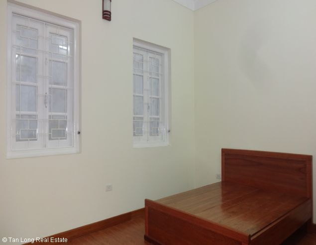 Fully furnished house for rent in Au Co street, Tay Ho District, Hanoi. 1