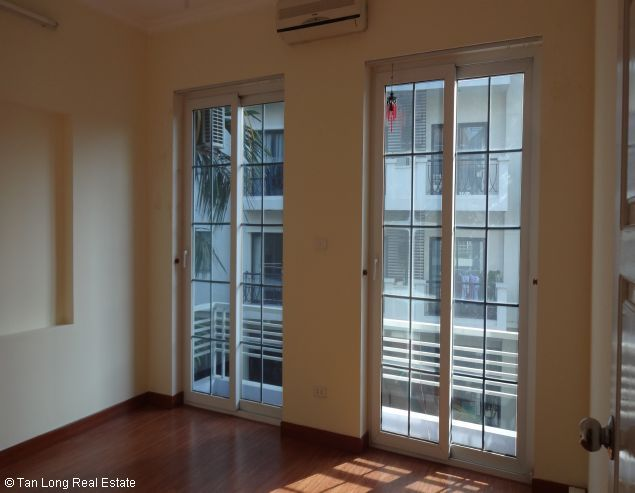 Fully furnished house for rent in Au Co street, Tay Ho District, Hanoi. 6