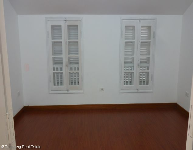 Fully furnished house for rent in Au Co street, Tay Ho District, Hanoi. 8