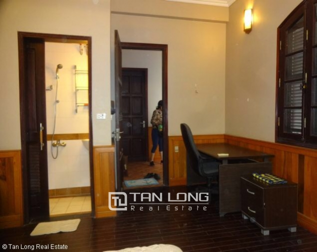 Fully furnished house for rent in Nghi Tam st, Tay Ho dist, Hanoi 9