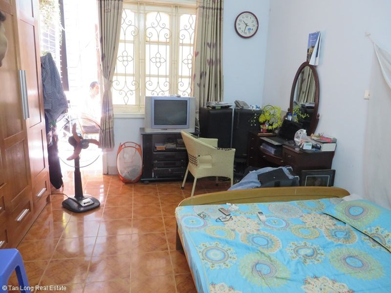 Fully furnished house for rent in Thai Ha street, Dong Da District 8