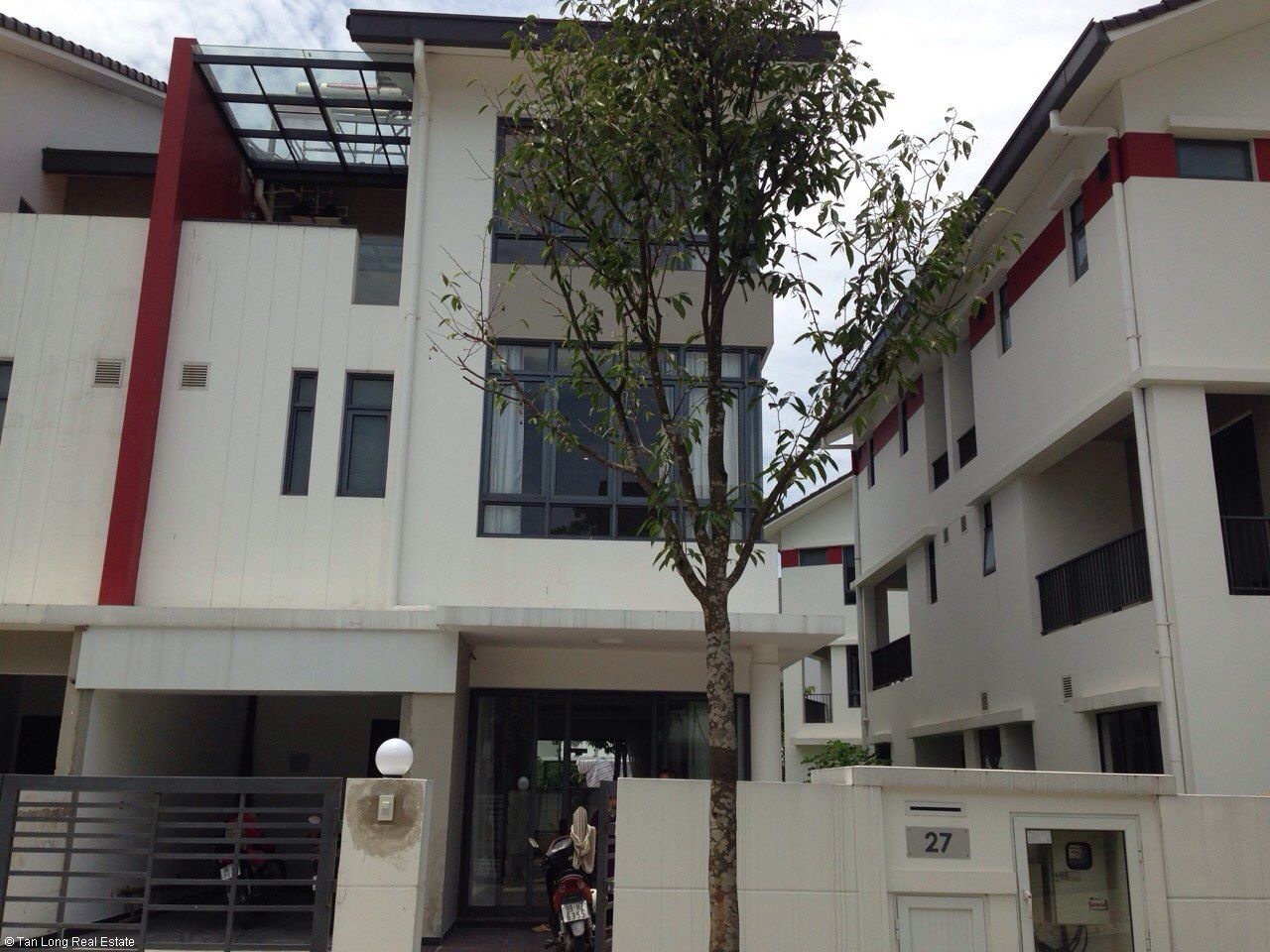 Furnished 05 bedrooms house for rent in Gamuda, Nguyen Xien street, Hoang Mai district. 2