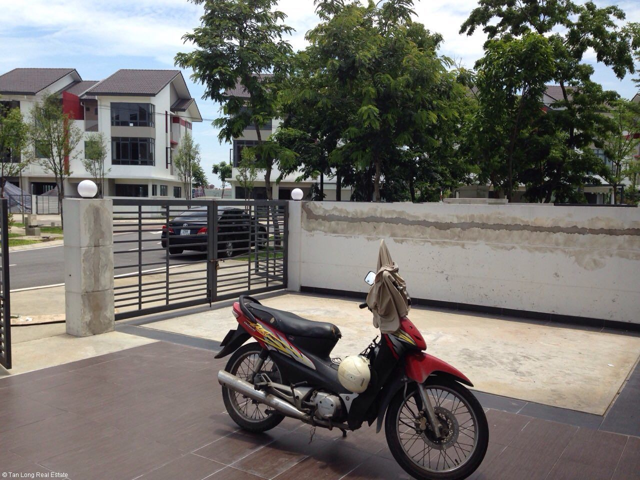 Furnished 05 bedrooms house for rent in Gamuda, Nguyen Xien street, Hoang Mai district. 5