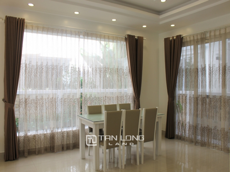 Furnished Semi-detached Vinhomes Riverside Villa To Lease 3