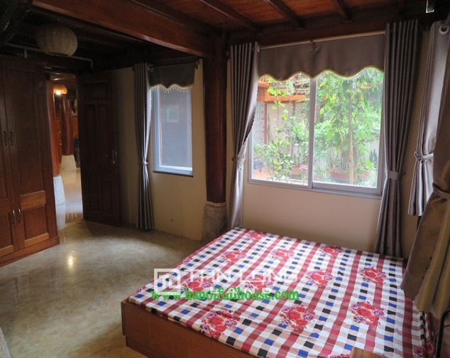Garden house with 2 bedrooms for rent on Hoang Hoa Tham, Ba Dinh district 7