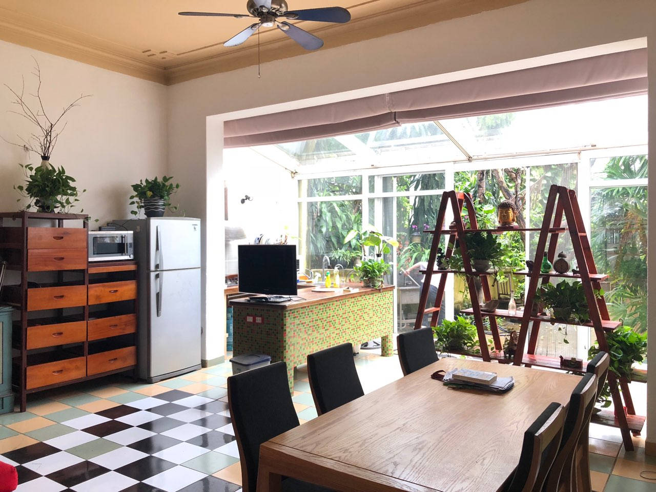 Gardening house for rent in Au Co, near Xuan Dieu str, Tay Ho distr!