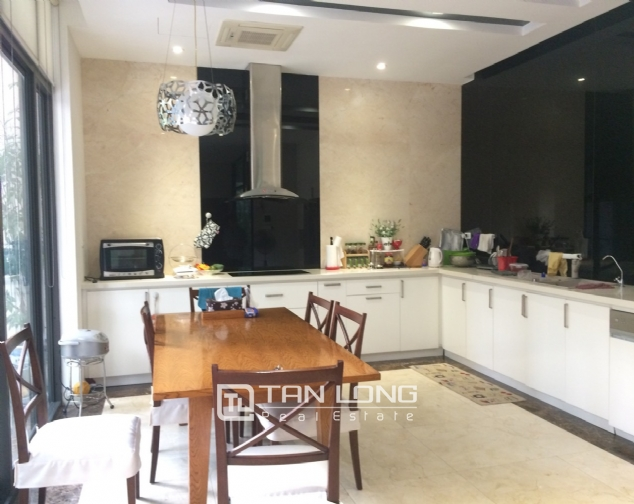 Gardening villa for rent in Nguyen Khanh Toan street, Cau Giay district! 7