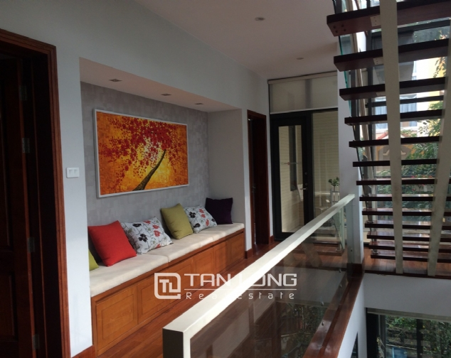 Gardening villa for rent in Nguyen Khanh Toan street, Cau Giay district! 8