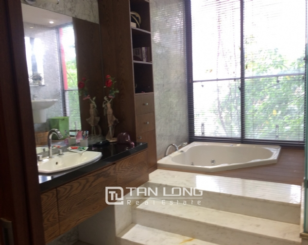 Gardening villa for rent in Nguyen Khanh Toan street, Cau Giay district! 5