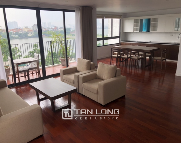 Glamorous accommodation for lease in Xom Chua, Dang Thai Mai street, Tay Ho distr 2