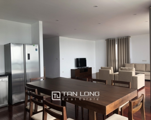 Glamorous accommodation for lease in Xom Chua, Dang Thai Mai street, Tay Ho distr 5
