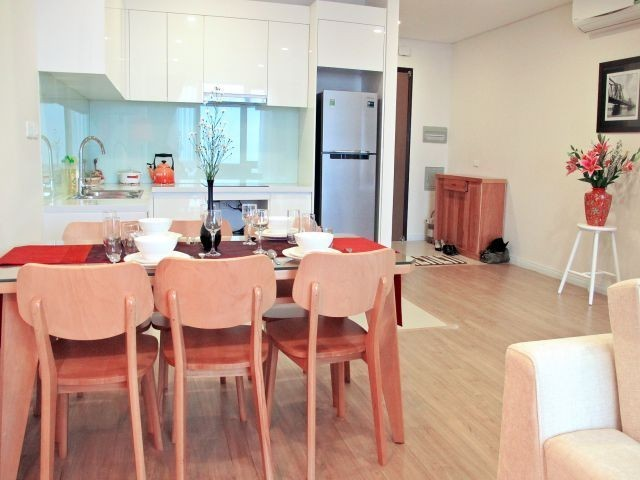 Glamorous and modern 2 bedroom apartment for rent in Mipec Riverside, Long Bien district