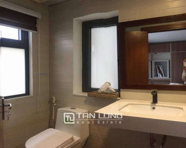 Glamorous apartment in Tay Ho street, Tay Ho district, Hanoi for rent 10